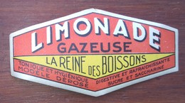 """étiquette Pour La LIMONADE Gazeuse """" Reine Des Boissons, V. 1950 - Publicité"""