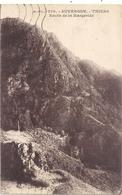 279. THIERS . RAVIN DE LA MARGERIDE . CARTE AFFR AU VERSO LE 4 JUIN 1933 . 2 SCANES - Thiers