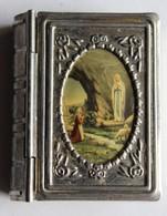 Ancienne Boîte Livre Porte Chapelet Avec Chapelet Crucifix - Godsdienst & Esoterisme