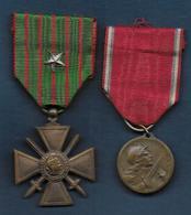 Guerre 14 - 18 -- 2 Médailles , Croix De Guerre Et Verdun - Frankreich