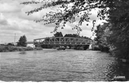 60 - ATTICHY : Le Pont Sur L'Aisne - CPSM Dentelée Noir Et Blanc Format CPA 1960 - Oise - Attichy