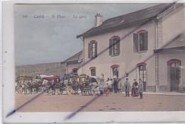 Saint Flour (15) La Gare (très Belle Animation) (calèches Et Personnages) N° 100) - Saint Flour