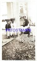 111991 PARAGUAY ASUNCION COSTUMES BURRERAS Y VENDEDORAS SELLER PHOTO NO POSTAL POSTCARD - Paraguay