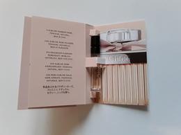 CHLOÉ ~~~eau De Parfum ***  Echantillon S/ Cartes 1,2 Ml  !! - Cartes Parfumées