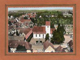 CPSM Dentelée - MUTTERSHOLTZ (67) - Vue Aérienne Du Quartier De L'Eglise Protestant Dans Les Années 60 - Carte Colorisée - France