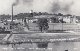 Fort Madison Iowa State Prison Grounds, C1950s Vintage Real Photo Postcard - Gevangenis