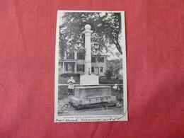 Nathan Hale Memorial  Huntington New York > Long Island> Ref 3341 - Long Island