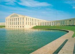 Saint Quentin En Yvelines Le Temple Au Bassin De La Sourderie  CPM Ou CPSM - St. Quentin En Yvelines