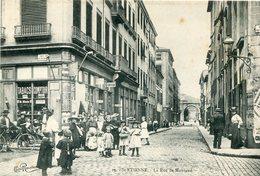 SAINT ETIENNE - Rue De Montaud De Nombreux Enfants à L'angle De La Rue Jacquard - Saint Etienne