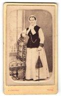 Photo A. Chauveau, Tours, Portrait De Einer Jungen Frau Avec Haube & Sonnenschirm - Personnes Anonymes