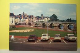 VIERZON   -- Le Pont Sur L'Yevre  - AUTOMOBILES -  ( CITROEN ) -( Pas De Reflet Sur L'original ) - Vierzon