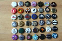 42 Capsules De Bouteilles De Bière - Toutes Différentes - Tous Pays (voir Scan) - Birra