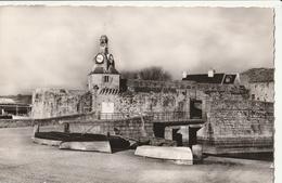 CONCARNEAU - 2 CPSM : Entrée De La Ville Close - Bateaux De Pêche - Concarneau