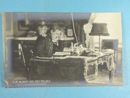 S.M Albert, Roi Des Belges, Dans Son Cabinet De Travail - Familles Royales