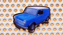 Pin's AUSTIN MORRIS (BMC) Mini Van - Collection Utilitaires - Pin's