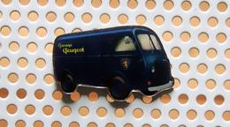 """Pin's PEUGEOT Fourgon D4 """"nez De Cochon"""" Garage Peugeot - Collection Utilitaires - Peugeot"""