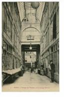 Reims - Passage Des Variétés (ancien Passage Poterlet, Animation, Présentoirs Cartes Postales) Pas Circulé - Reims