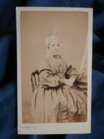 Photo CDV H. Honoré à Paris - Second Empire Femme à La Coiffe Circa 1865 L442 - Photos