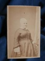 Photo CDV H. Honoré à Paris - Second Empire Femme à La Coiffe, Mitaines, Circa 1865 L442 - Photos