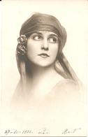 Giovane Donna - Formato Piccolo - (rif. L44) - Women