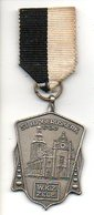 Zele Medaille  WKZ Sint Ludgeruskerk 1700  Wandelclub ? Metaal - Belgique