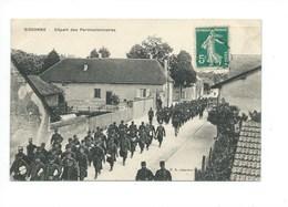 Sissonne 02 Aisne Départ Des Permissionnaires TB 2 Scans ( Enchères Privées) - Sissonne