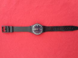 Montre Swatch Vintage  Début Des Années1980 (5181-P) - Watches: Old