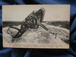 Guerre 1914  Effets De Notre Artillerie Sur Un Tank - LL 677 - R288 - Ausrüstung