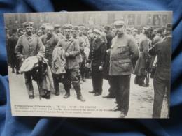 Guerre 1914  Prisonniers Allemands  Un Convoi De Blessés  N° 27 11e Série - R288 - Oorlog 1914-18