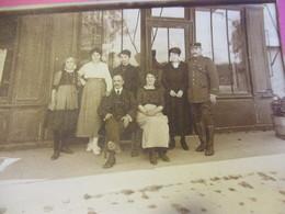 Groupe De Personnes Devant Magasin/ Tirage Papier/ Vers 1910 - 1930               PHOTN495 - Reproducciones
