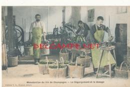 51 // MANUTENTION DU VIN DE CHAMPAGNE    Le Dégorgement Et Le Dosage, Edit T.D. / Colorisée - France