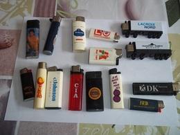 Lot De 15 Briquets Visuels Différents - Other