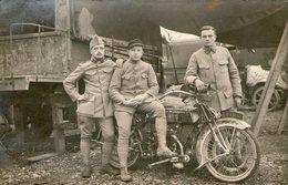 (101)  CPA  Photo  Soldats  Moto  (Bon Etat) - Motorbikes