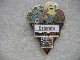 Pin's De La Coupe Du Monde De Football En 94 Aux USA. Equipe D'ORLANDO - Football