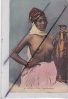 Afrique ,Maroc Ou Algérie  ; Scènes Et Types - Jeune Mauresque (aux Seins Nus) - Cartes Postales