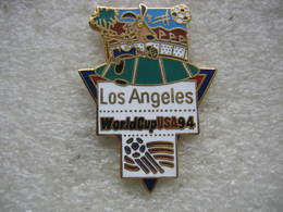 Pin's De La Coupe Du Monde De Football En 94 Aux USA. Equipe De LOS ANGELES - Football