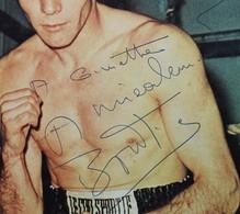 Grande Carte Photo Avec Autographe Jean Claude Bouttier Boxeur Boxe Signature Publicité Le Coq Sporif - Autographes