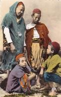 SCENES ET TYPES - Jeunes Arabes - Scènes & Types