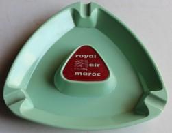 Ancien Et Rare Cendrier Publicitaire ROYAL AIR MAROC Plastique Vert - Publicités