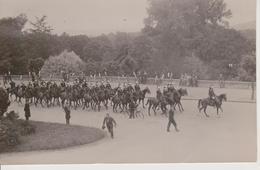 57 - METZ - CARTE PHOTO - FETE DU 30° DRAGONS - DEFILE EN 1935 EN TENUE 1914 - Metz