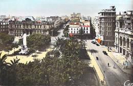 Algérie- ORAN Place  Du Maréchal Foch Et  L'Hôtel De Ville   (- Editions  CAP C.A.P 9) *PRIX FIXE - Oran