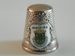 """Dé A Coudre En Métal """" Madeira"""" - Dedales"""