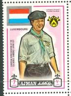 19/5 (vert) Ajman, Timbre Neuf XX Theme Scoutisme Scouts Drapeau Flag Scouting Luxembourg - Scouting