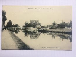 VIERZON - Vue Prise Sur Le Canal Du Berry - Vierzon