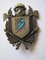 INSIGNE DES SAPEURS POMPIERS POMPIER DE SAVERDUN 09 ETAT EXCELLENT - Firemen