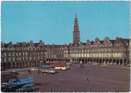 Arras: CAMION BERLIET GLR, PEUGEOT 403 FAMILIALE, SIMCA ARONDE, CITROËN AMI 6, DS, 2CV AK, TUBE HY - Grand Place - Voitures De Tourisme