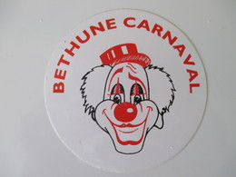 Autocollant Vintage Carnaval De Béthune 9 Cm De Diamètre - Aufkleber
