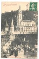 Lourdes - La Grotte Et La Basilique (Labouche N°819) - Lourdes