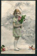 12825 FRANCE  CPA  Fillette Avec Un Bouquet De Fleurs       TB - Portraits