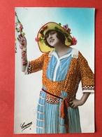 1923 - FLAPPER - JAREN ANNEES 20-30 - JOLIE ROBE ET CHAPEAU - MOOI KLEED EN HOED - Femmes